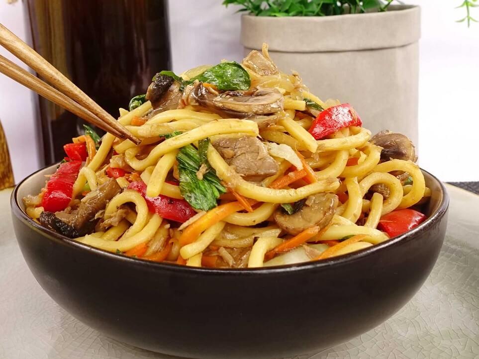Stir fry hokkien noodles