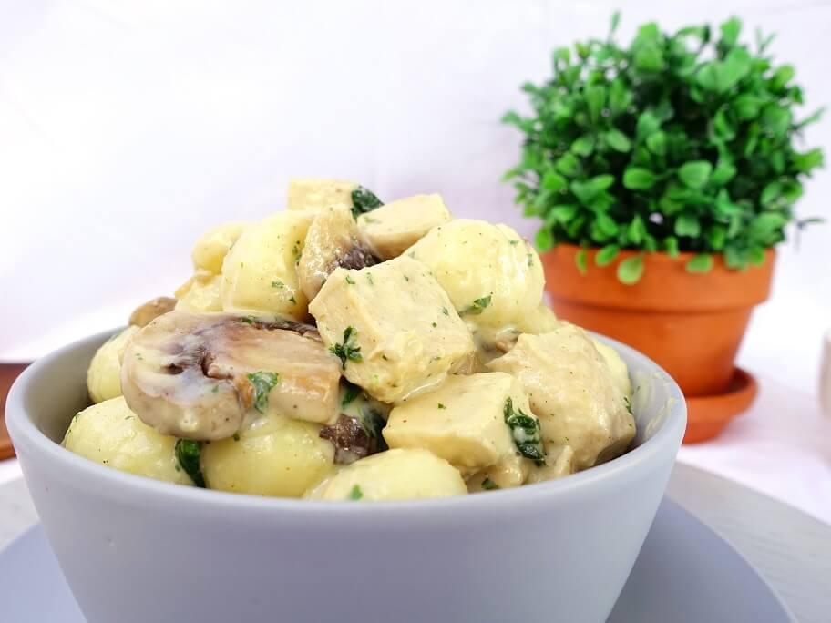 Chicken in creamy mushroom sauce with gnocchi