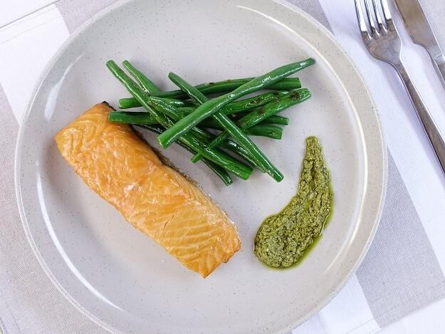 Salmon with basil pesto sauce