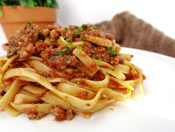 Turkey mince ragu with fettuccine