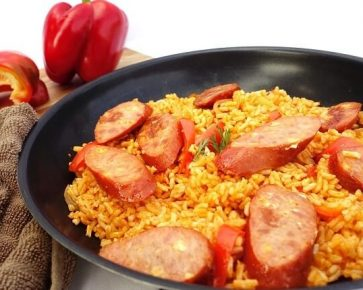 Kanga bangas with tomato rice skillet