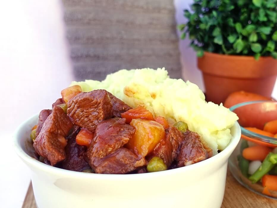 Homestyle lamb stew