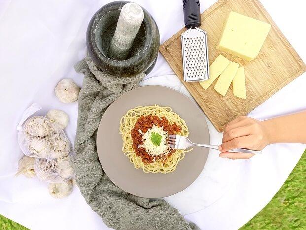 spaghetti-flatlay
