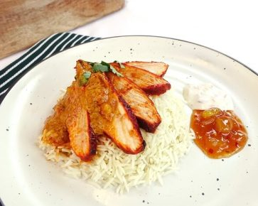 Tandoori chicken with rice, mango chutney and raita