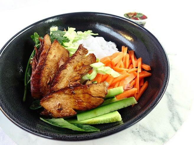 Chicken vermicelli bowl